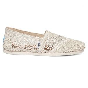 Tom's Cream Crochet Classic Flat 6